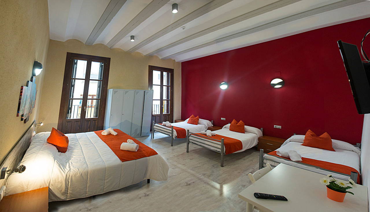 Mixed Dormitory - Rooms - Casa del Cigroner